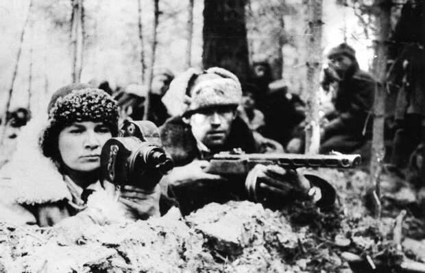 Седьмая серия документального проекта «Как снимали войну» посвящена первой женщине-кинооператору Марии Суховой
