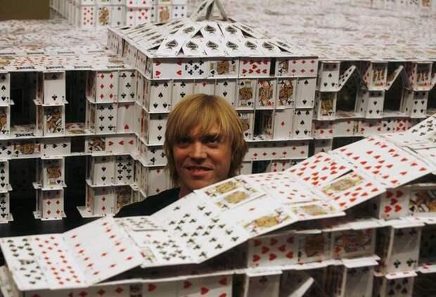 Самый большой карточный дом в мире (10 фото)