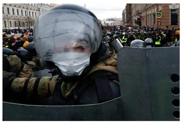 «С хулиганами и провокаторами никакого разговора быть не может». Дмитрий Песков — об акциях протеста 31 января