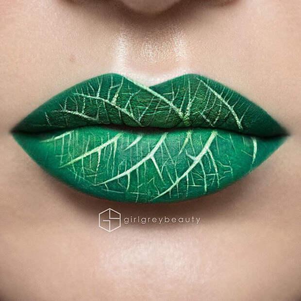 Визажист превращает свои губы в произведения искусства
