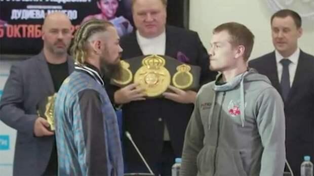 Боксеры Чудинов и Миттаг прошли взвешивание и устроили битву взглядов