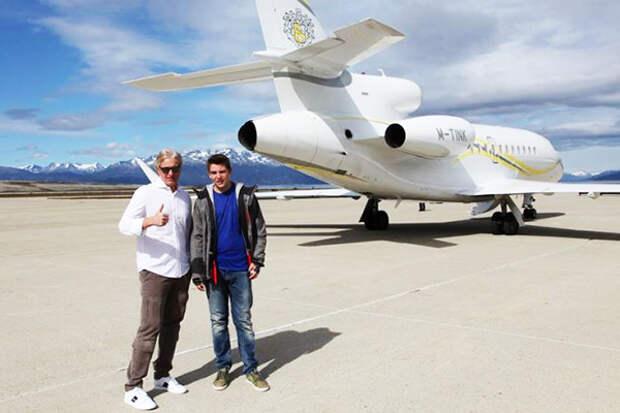 Самолёт Олега Тинькова. Для существующей системы возможность Тинькова летать на нём важнее, чем обеспечение работы электричек Архангельской области в течение 12 лет