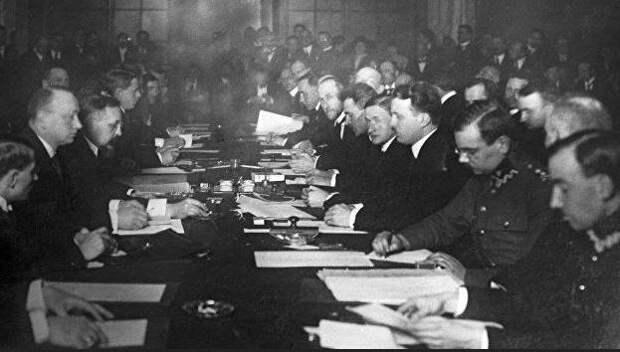 Почему Россия в 1921 году отдала часть своих земель Польше