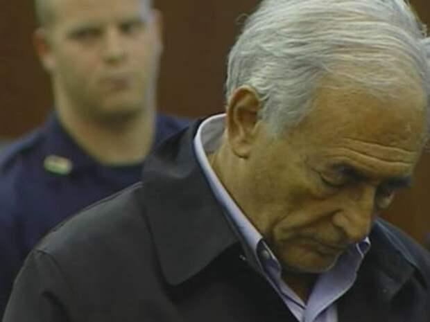 Стросс-Кан во время судебного заседания по делу о домогательствах к горничной нью-йоркского отеля