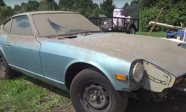 Машину решили помыть впервые за 44 года и сняли процесс на видео
