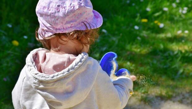 В Воронеже воспитательница детсада забыла на улице девочку
