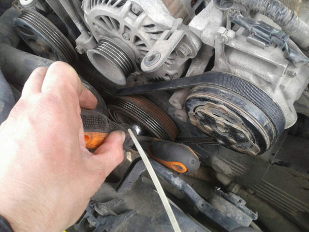 Простой способ избавиться от свиста ремня генератора в автомобиле без замены
