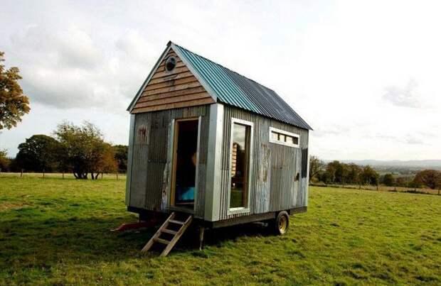 Пара построила уютный домик всего за $ 1500, используя строительные отходы и переработанную древесину  дом, своими руками