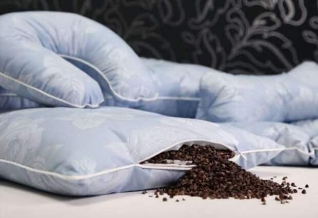 9 практических советов по стирке подушек из разных наполнителей