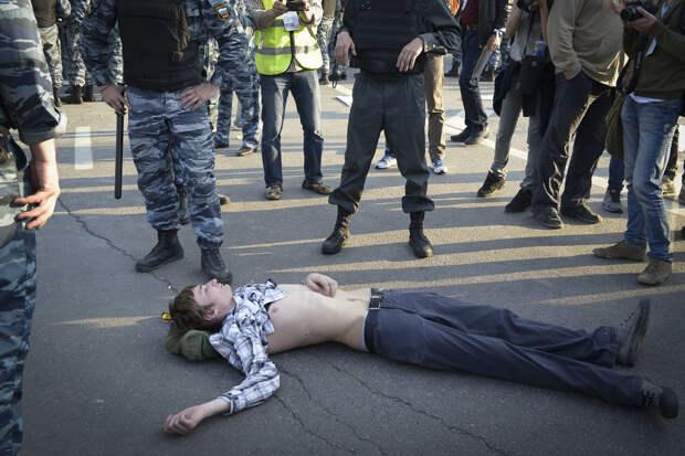 Как показывают опросы, наступление на несистемную оппозицию – не то, чего  ждали от власти граждане - Газета.Ru