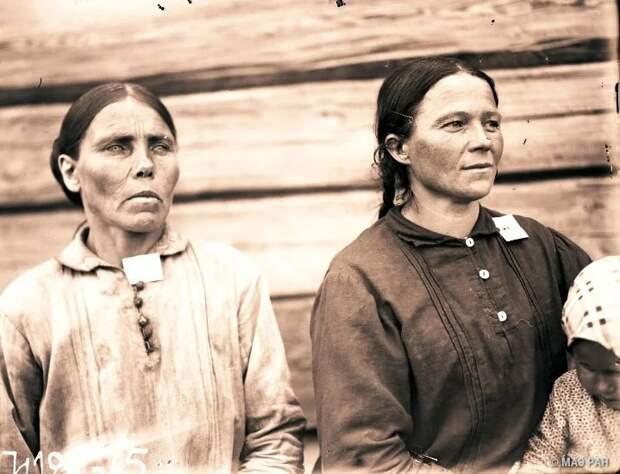 Сколько лет этим женщинам?