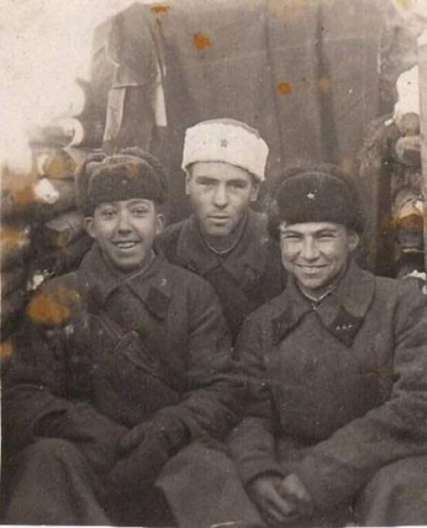 18-летний Юрий Никулин во время Финской войны. СССР, 1940 год. история, факты, фото