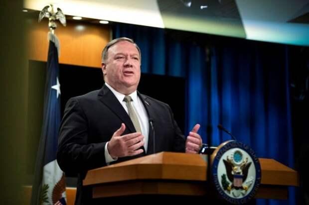 Бывшего госсекретаря США Помпео уличили в злоупотреблениях - Politico