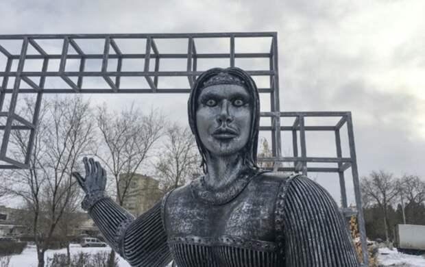 Жителей Нововоронежа напугал устрашающий памятник Аленке