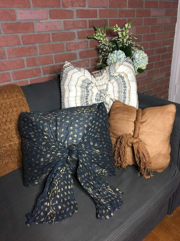 Подушки из шарфов