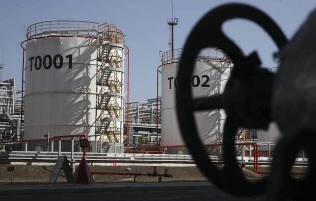 Fitch: РФ в 2021 году может дополнительно заработать от роста цен на нефть и газ $50 млрд
