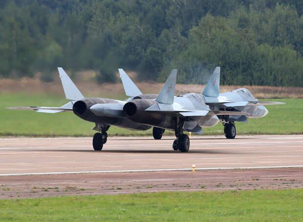 На будущей неделе ВКС РФ получат первый серийный истребитель Су-57