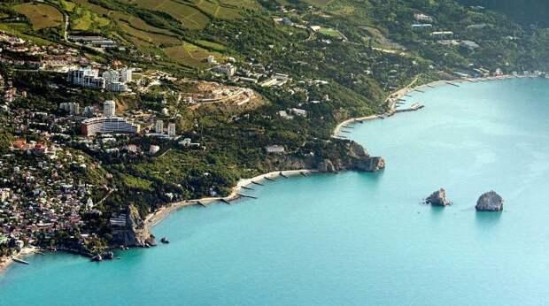 Два популярных курорта Крыма ждет дефицит воды в сезон отпусков