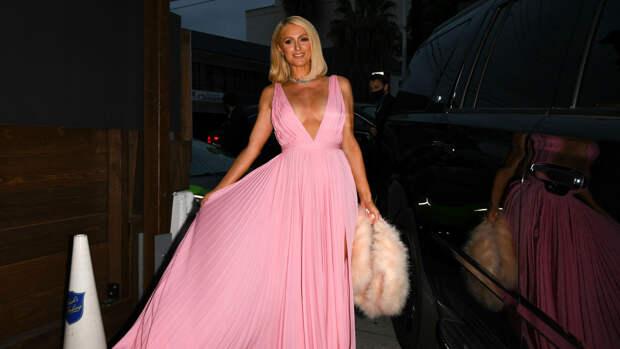 Пэрис Хилтон появилась в платье Valentino и самых крупных бриллиантах Голливуда