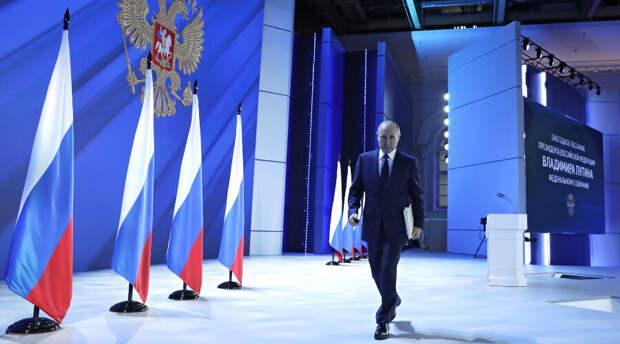 Владимир Путин после вакцинации постоянно кашлял на послании и был с немного севшим голосом