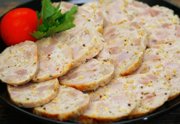 Сделали за час куриную колбасу на замену магазинной: получилось вкуснее и дешевле