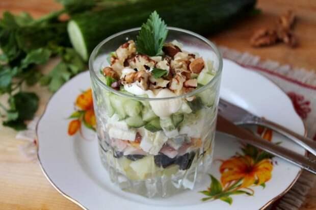 Очень вкусный салат. \ Фото: 1000.menu.