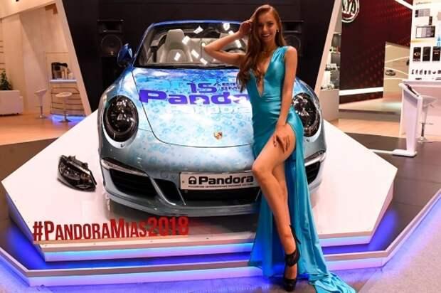 Подборка самых красивых девушек с Московского автосалона 2018
