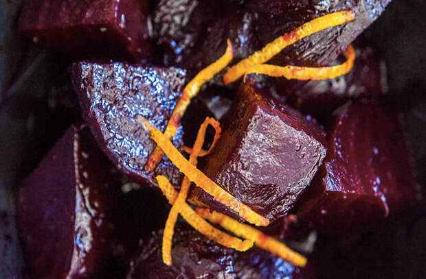 Полили свеклу маслом и запекли: заменяем надоевшую картошку новыми гарнирами