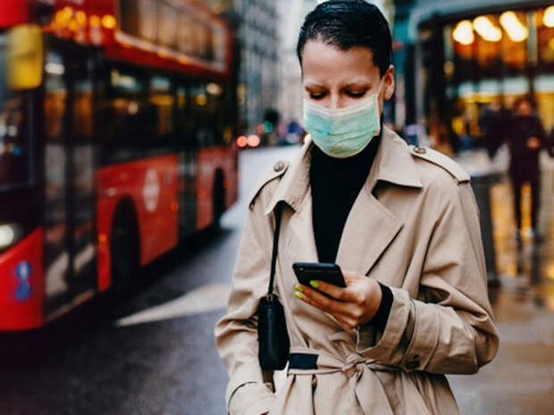 Англия намерена отказаться ношения масок из-за экономического ущерба