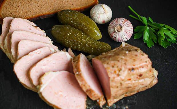 Готовим килограмм мяса на бутерброды: маринуем и варим в фольге