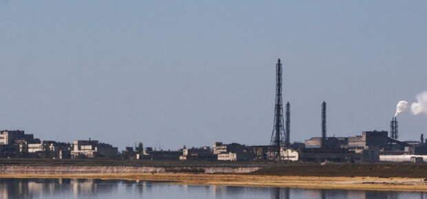 Украина по ночам подает сырье для крымских заводов – меджлисовец