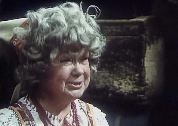 Мария Барабанова в фильме «Про Красную Шапочку», роль злой старушки (1977)