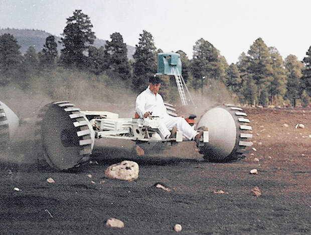 Подготовка к высадке на Луну
