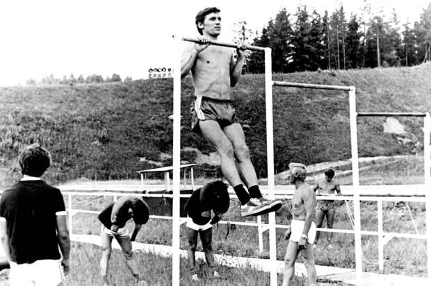Тихонов: «Овечкину в детстве подписал календарик со словами «быть тебе великим чемпионом». Он его сохранил»