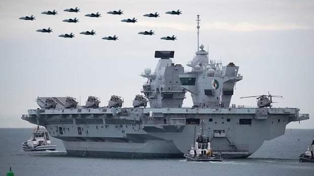 Корабли Северного флота не на шутку напугали команду авианосца Queen Elizabeth