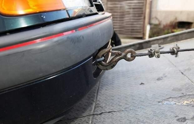 Почему не стоит «дергать» чужие автомобили не своим тросом