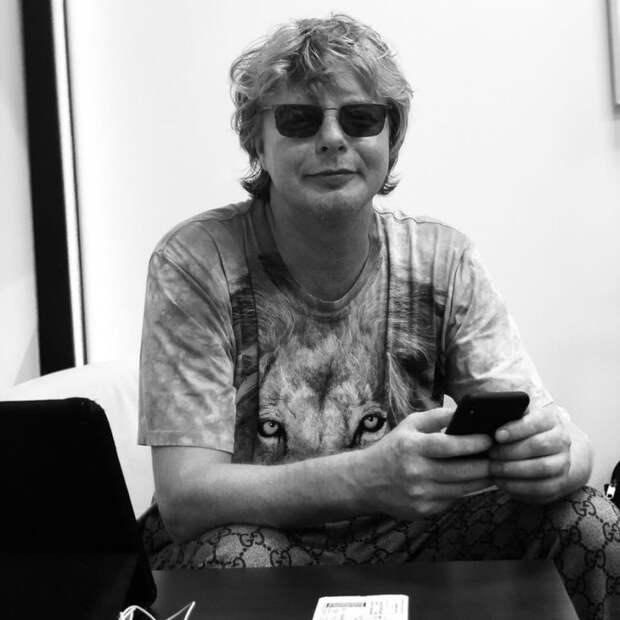 Рыжий из «Иванушек» про рак и восстановление позвоночника: «Я в афиге»