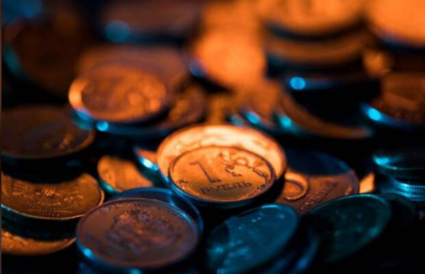 Рублевые монеты, 26 октября 2018 года. REUTERS/Maxim Shemetov