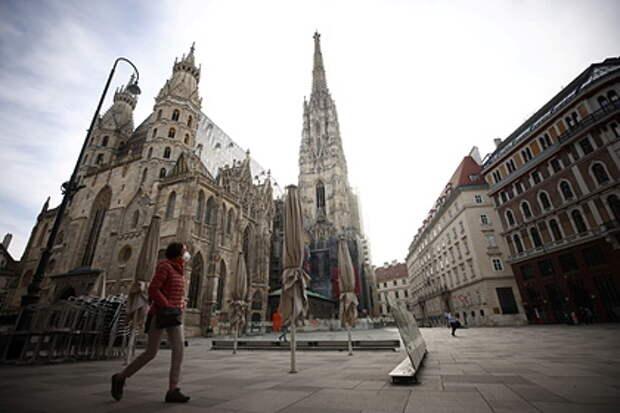 В Австрии запретят посещать магазины без теста на коронавирус