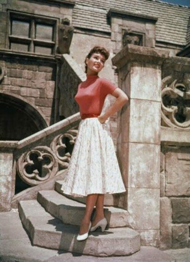 Красотка из 50-ых Дебби Рейнольдс