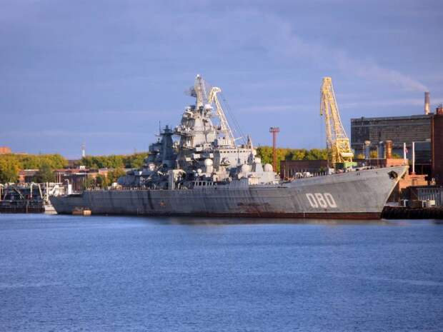 Что полезнее, «Адмирал Нахимов» или десять «Буянов»?