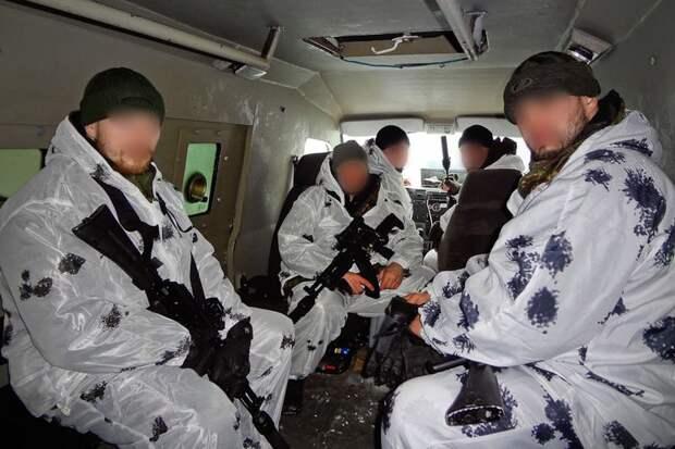 Полицейский спецназ на Кавказе (26 фото)