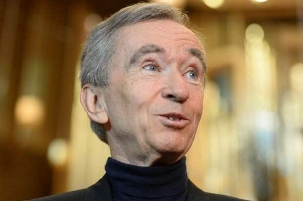 Глава Louis Vuitton обогнал Безоса в рейтинге богатейших людей - Forbes