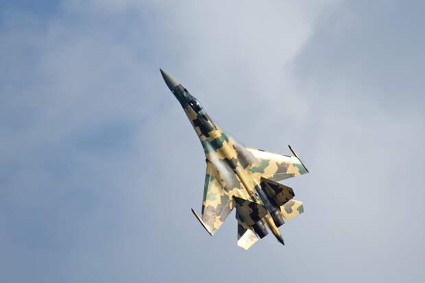 Почему американцы снова и снова пересматривали видео с русским Су-35