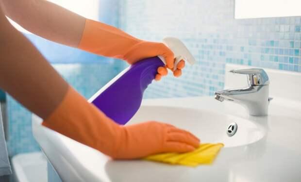 Как избавиться от налета в ванной: чистим все поверхности