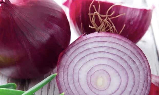 Фиолетовый лук: 7 случаев, когда он ведет себя как лекарство