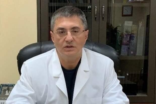 Доктор Мясников опроверг информацию, что дает интервью за деньги