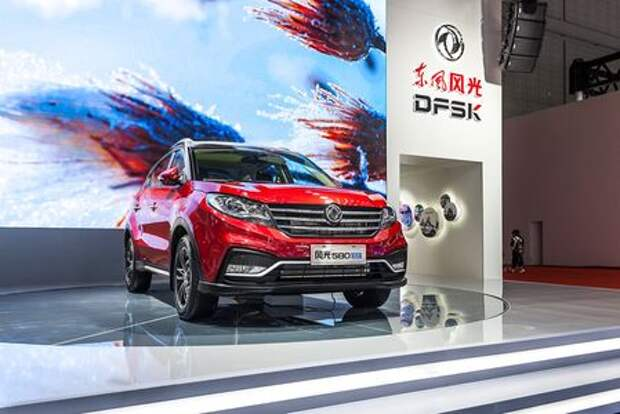 Dongfeng Motor привезет в Россию семиместный кроссовер