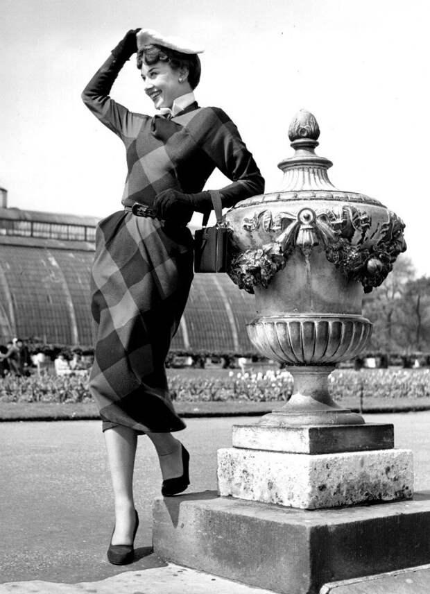 Прогулка с Одри Хепберн по майскому Лондону 1950 года.