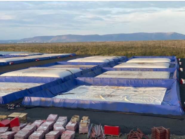 В ликвидации последствий разлива топлива было задействовано 163 резервуара производства компании общим объемом около 30 000 м3